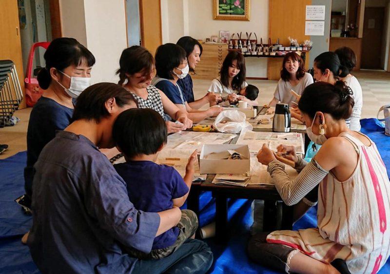 もりとわ:子育て中のお母さんたちが集まり、木工作業